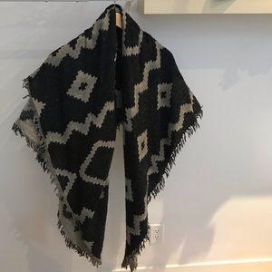 ARITZIA Diamond Mosaic Blanket Scarf